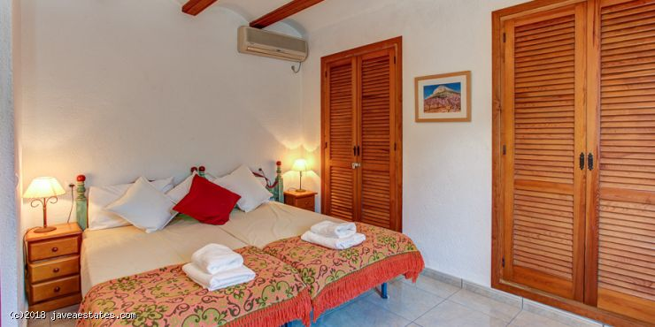 Villa Paul Cezanne 3 bed from £600 per week