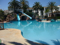 4 Bed Townhouse - 450m from beach