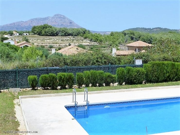 3 bed villa in Villas del Vent, Jávea reduced from € 580,000 to