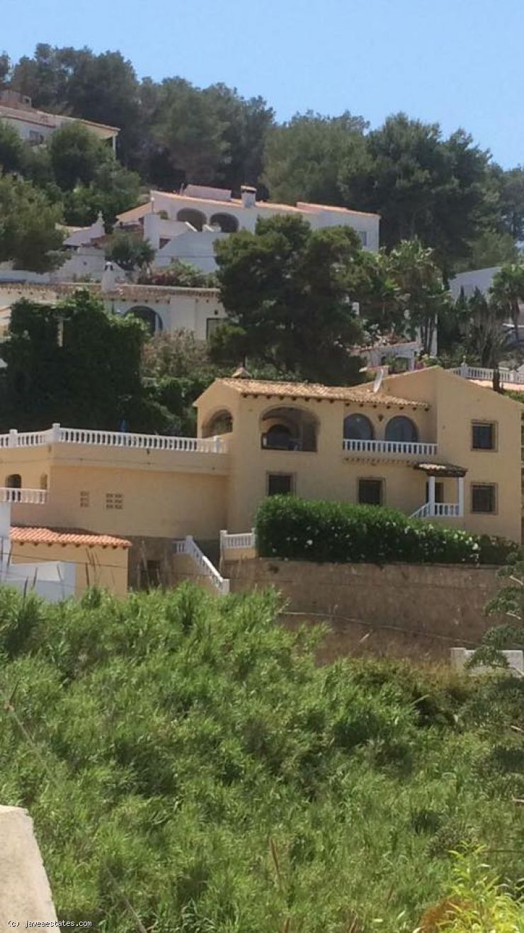Fantastic 4 bedroom villa with spectacular seaview