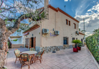 4 bed terrace house located on Javea seafront