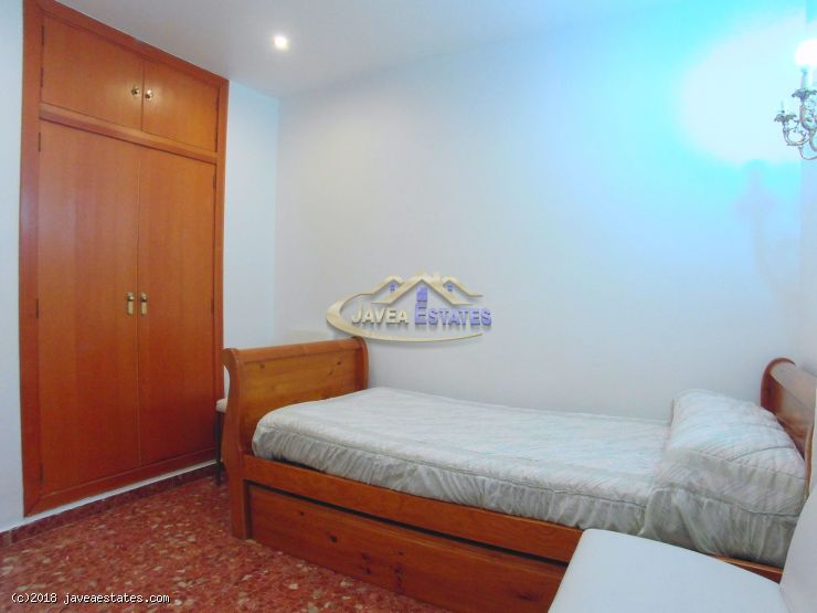 Recently reformed 2 bed apartment